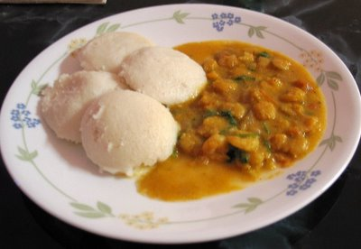 One Bite at a Time: Idlis with Prawn curry!