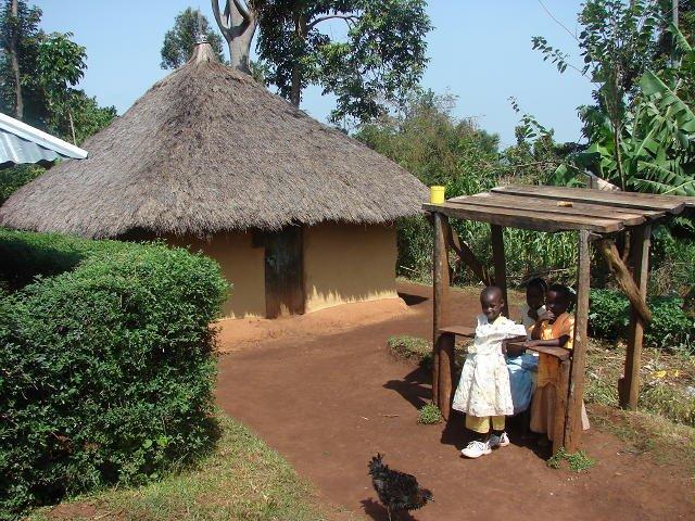 Saijiki for kenya and tropical regions mud matope for Types of houses in kenya