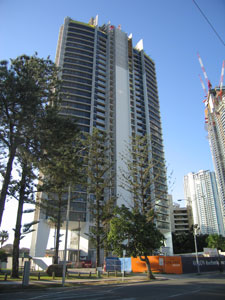 Avalon Apartments Is Located On The Corner Of Ferny Avenue And Wahroonga Place Surfers Paradise Gold Coast Fronting Nerang River