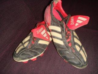 8b4758895cf99 MaTA-dor  Las botas de Zidane