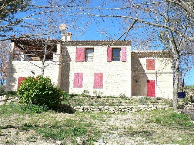 luxe et tradition location d 39 une maison en provence dans le luberon mai 2006. Black Bedroom Furniture Sets. Home Design Ideas