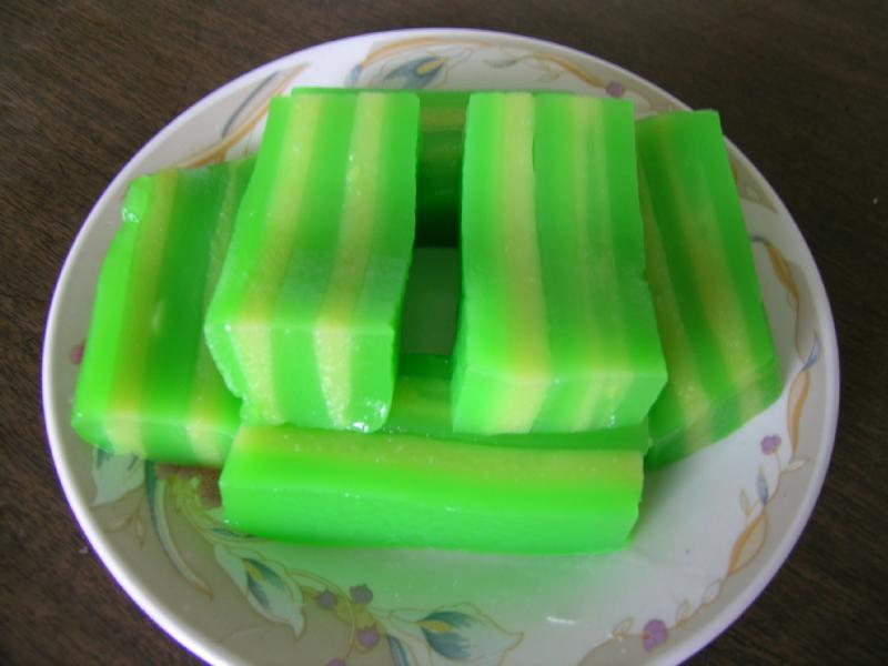 Bánh Da Lợn Steamed Tapioca Layered Cake