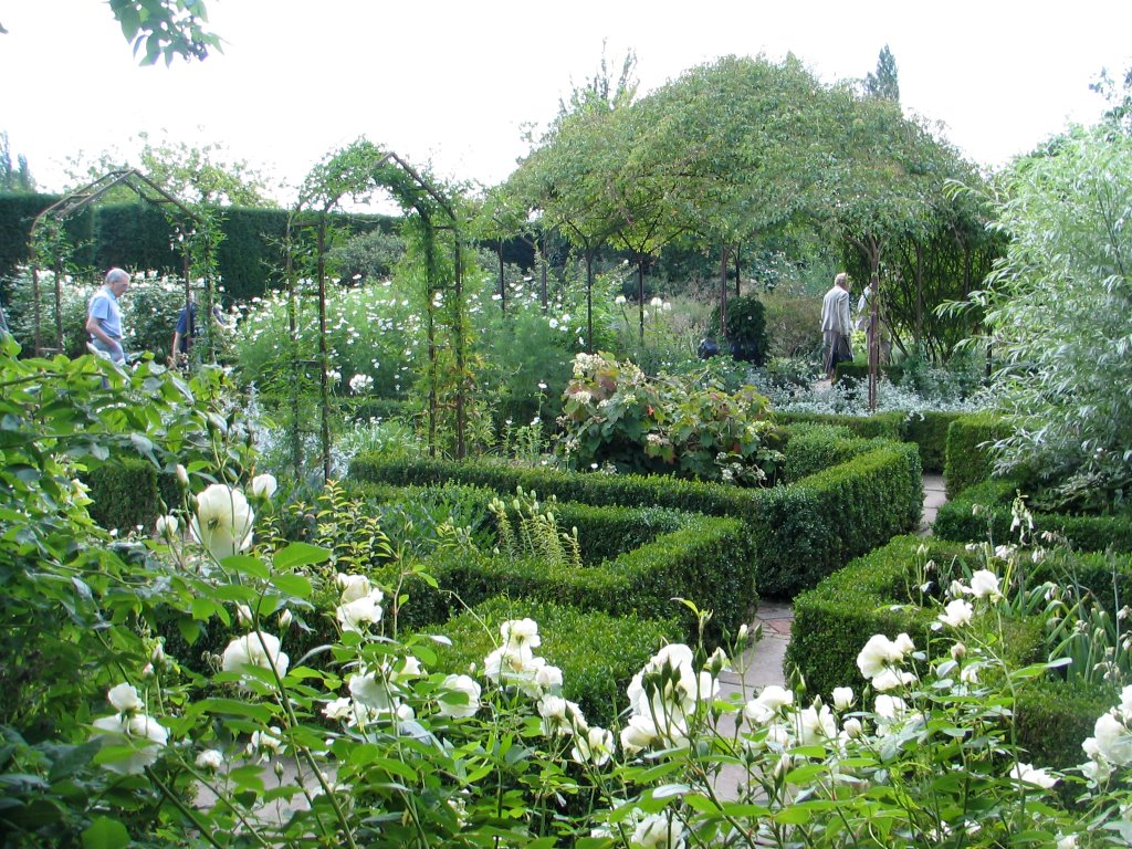 Making A Mark The White Garden Sissinghurst Castle
