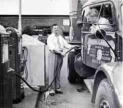 Co 39 s story usa akron 39 s motor cargo inc was a pioneer for Motor cargo freight company