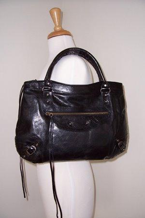 Designer Fashion Addicts - Fashion News  February 2006 767a5e1732c47