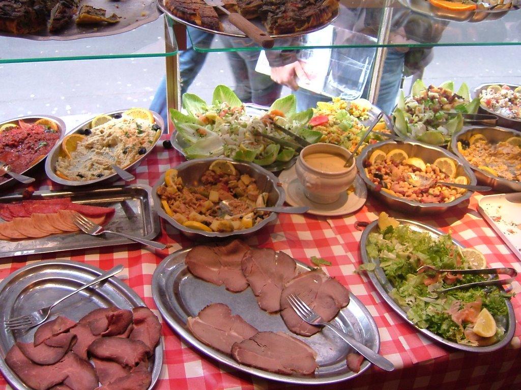 Serveur De Restaurant Buffet A Volonte