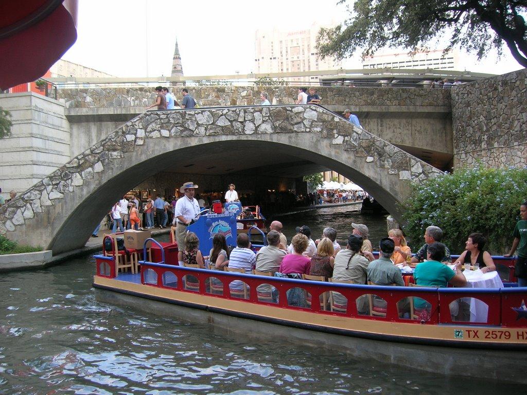 Taxi San Antonio >> Ahab S Quest San Antonio Riverwalk Rio Taxi