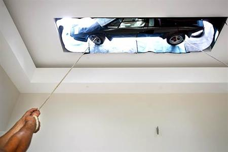 Lamborghini colgado como un cuadro