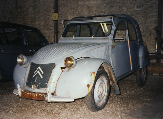 le garage de la nationale 7  citroen 2cv az 1955