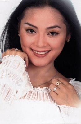 Yan Vellia, istri Didi Kempot
