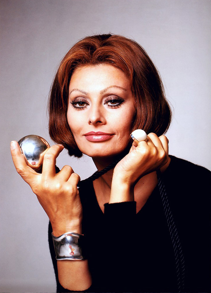 Celebrity Secrets: Sophia Loren to appear nude in calendar