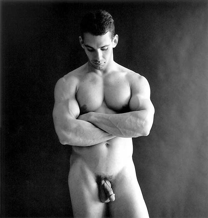 очень парни позируют голые скокова