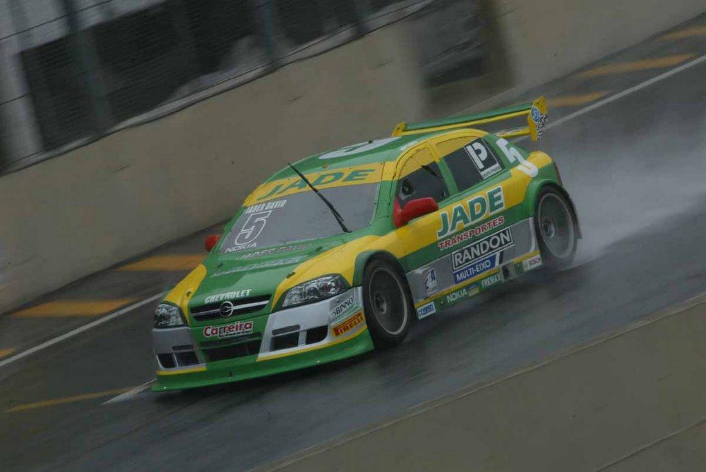 b3d2b9cb1d3 São Paulo - Renato Jader David deu o primeiro passo rumo ao título do  Campeonato Brasileiro de Stock Car V8 Light neste sábado à tarde