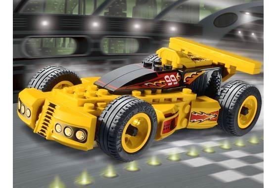 A LEGO trouxe para o Brasil as novidades da sua linha LEGO Racers. Sucesso  em todo o mundo bdd959d1173