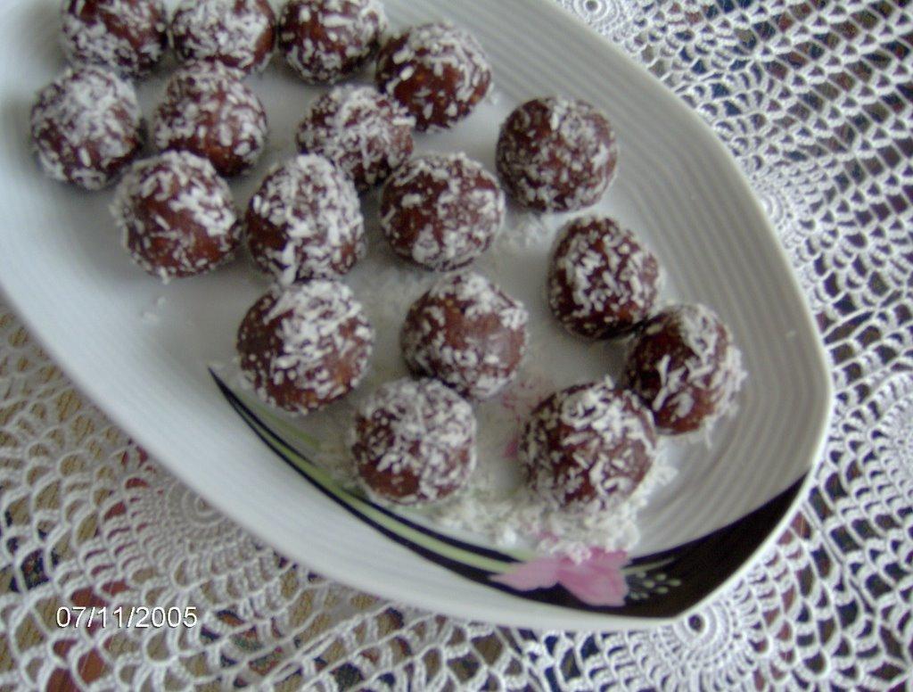 Kakaolu Bisküvi Topları Yapımı Videosu