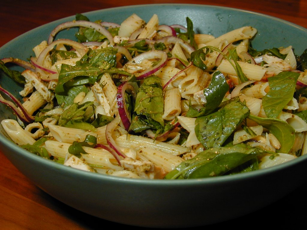Broileri Salaatti