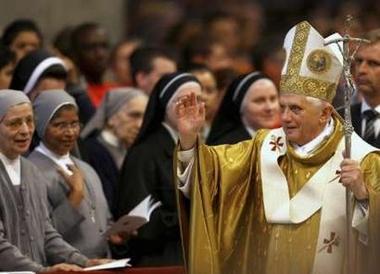 BENEDICTUS: DAY BY DAY WITH POPE BENEDICT XVI | EWTN ...