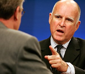 Jerry Brown Caught Using Mayor's Lincoln For AG Campaign - Video