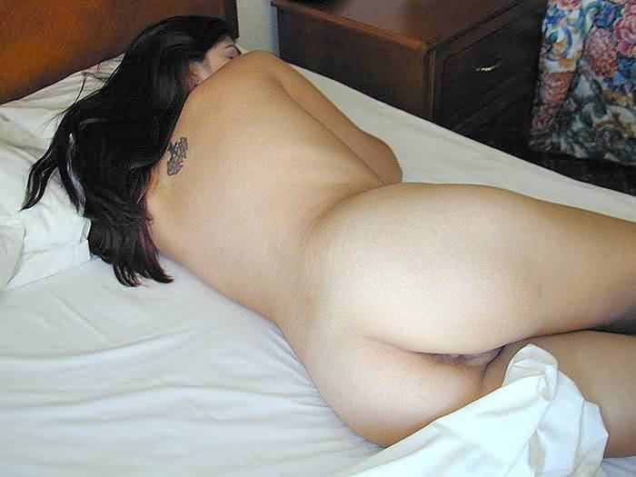 Girl friend sleep naked