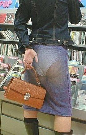 фотосъемка-что у девушек под юбками