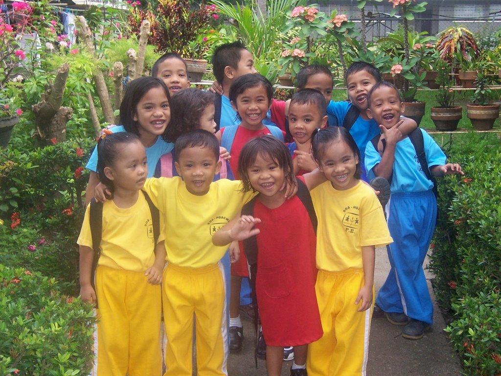 SOS Children's Villages Philippines: March 2006