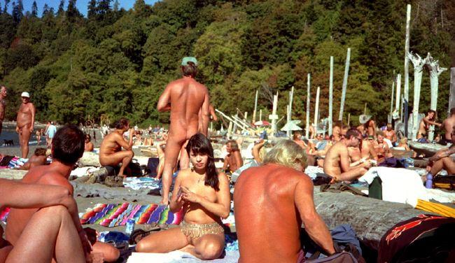 toronto-nudist-beach
