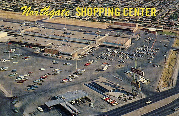 Malls of America - Vintage photos of lost Shopping Malls of the '50s
