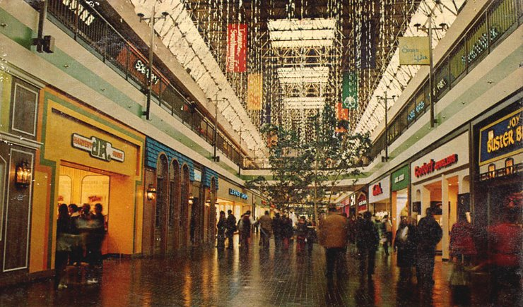 f962d2139 Malls of America - Vintage photos of lost Shopping Malls of the '50s ...
