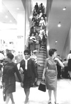 Malls of America - Vintage photos of lost Shopping Malls of