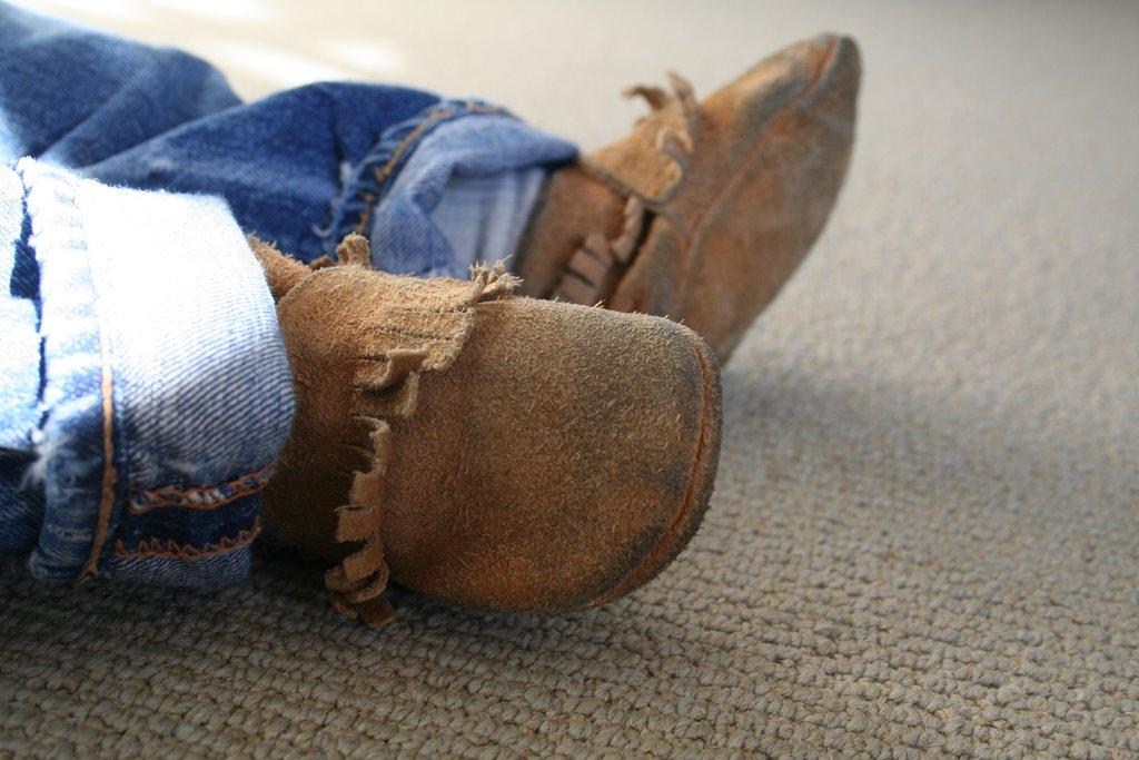 Should Babies Wear Hard Bottom Shoes