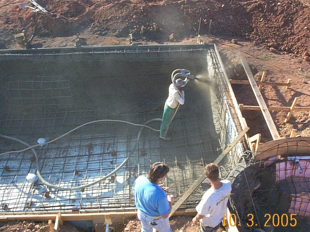 Do it yourself build an inground swimming pool shotcrete day - Building a swimming pool yourself ...