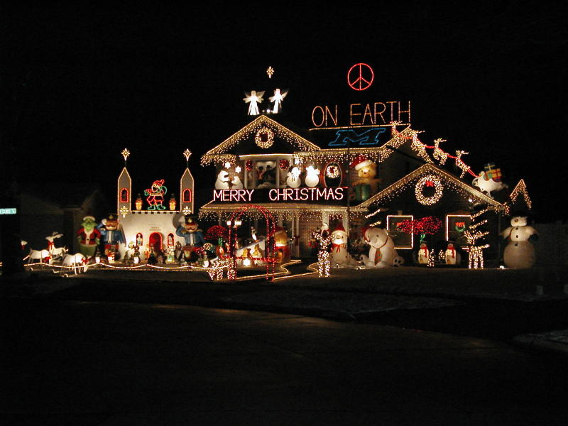 One Story House Christmas Lights.Miss Cellania Christmas Decorations