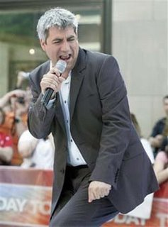 Taylor Hicks can take anything Justin has for him