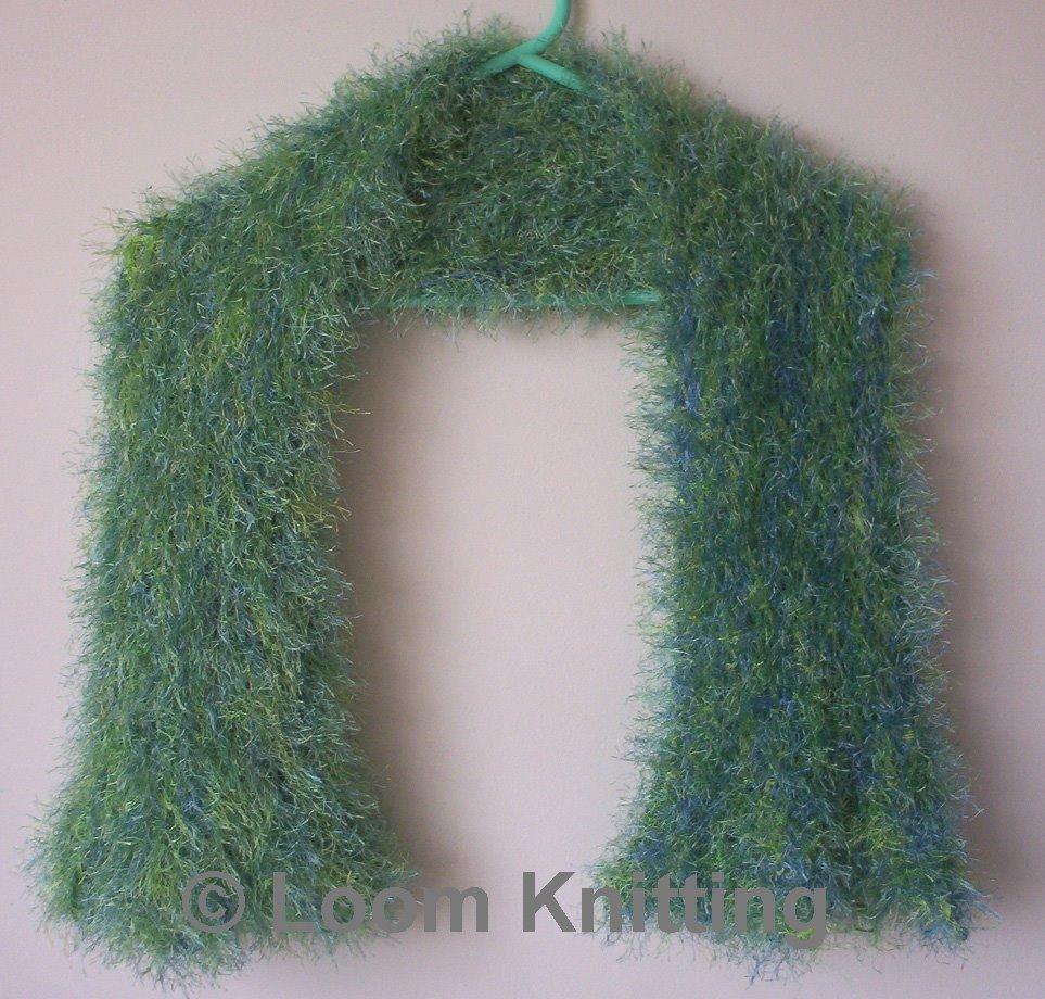 Loom Knitting: 4-H donations