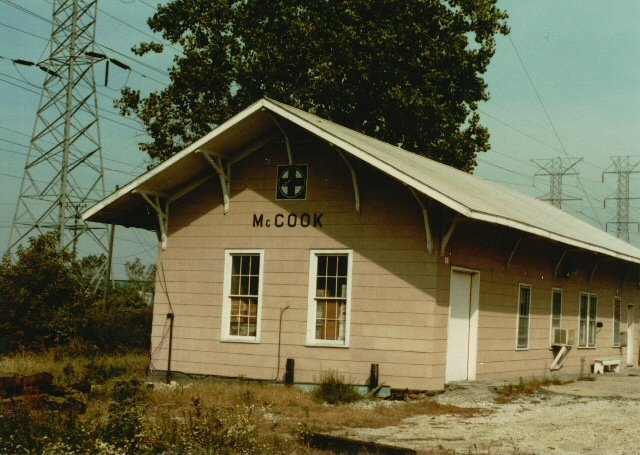 Eddie's Rail Fan Page: Santa Fe Mc Cook Illinois depot