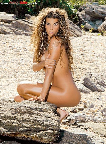 Luciana Coutinho Nude 112