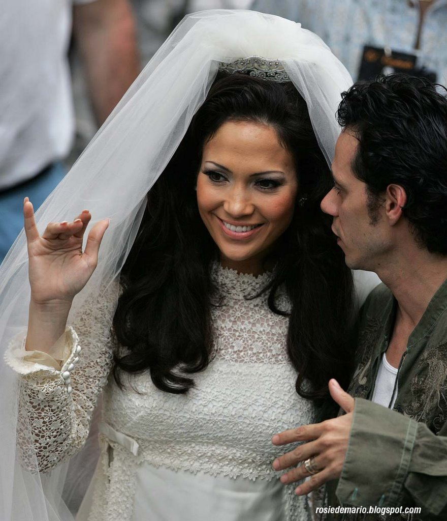 Smart j lo and mark anthony filming in puerto rico for Puerto rico wedding dresses
