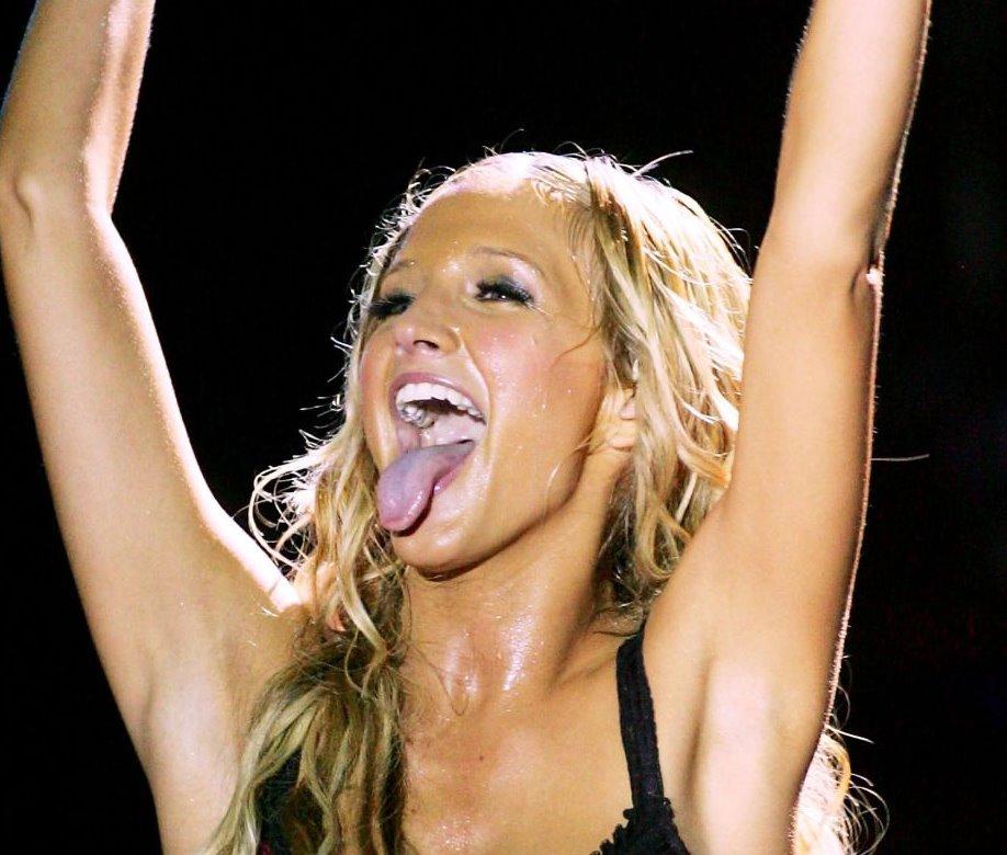 Ashlee simpson long tongue