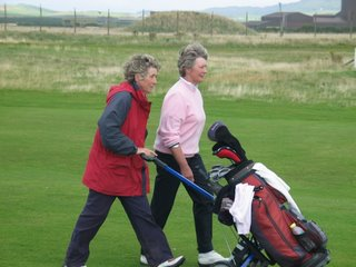 Helen Faulds with caddy Carol Fell - click to enlarge