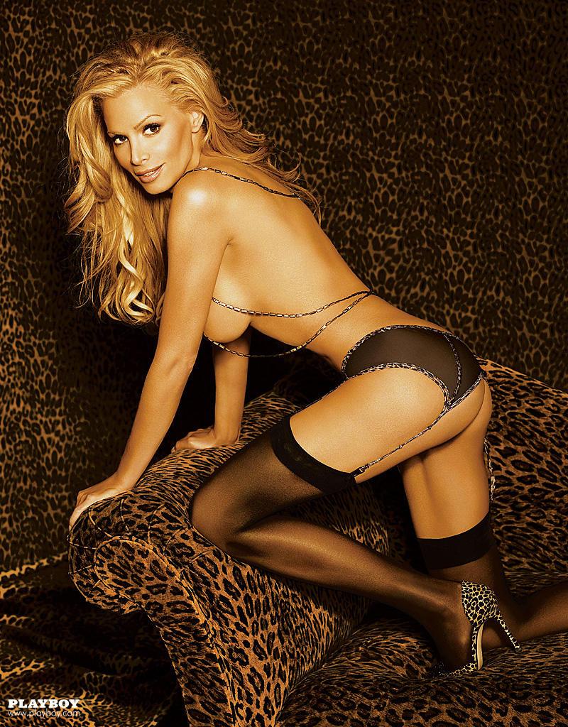 Kelly hot latin pussy 8