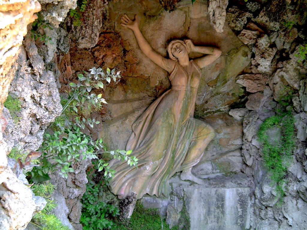 Laberint D'Horta: The Grotto of Echo and Narcissus