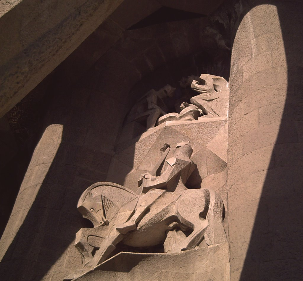 Sagrada Familia: Longinos and the Sacred Spear