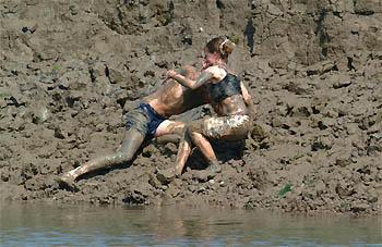 Lesbian mud wrestiling