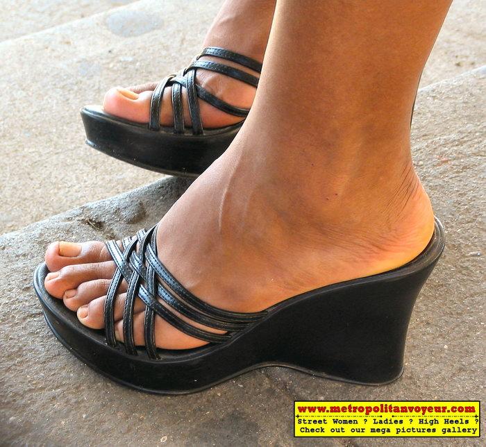 Women High Heel Shoes Street Candids Muscular Calves