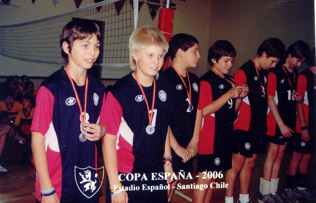 Voleibol chileno u catolica 2005 en calzones bikini