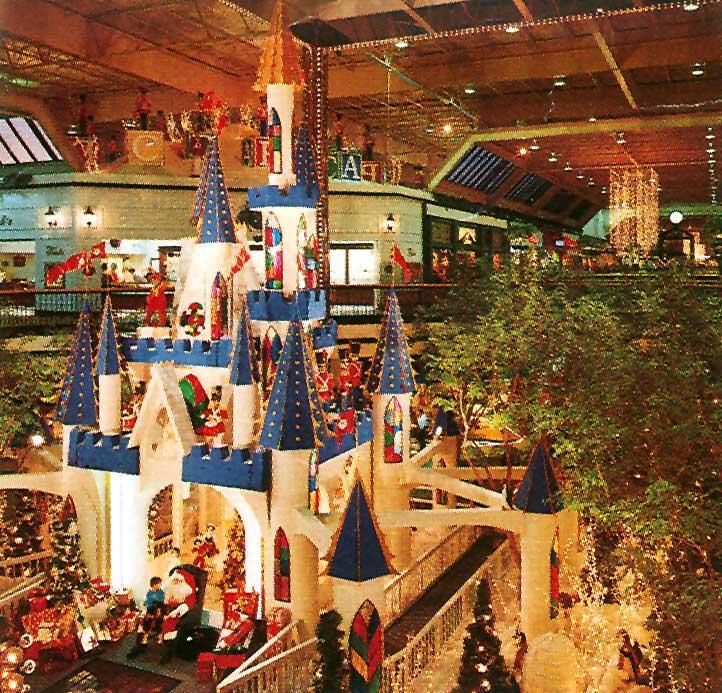 Pentagon City Mall Santa Hours