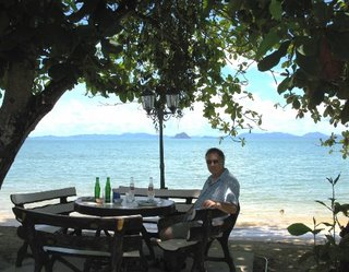 Small restaurant by the sea, Koh Sirey