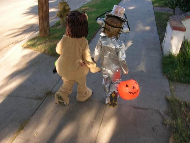 A Patchwork World A Robot A Spider A Postman And Pumpkins