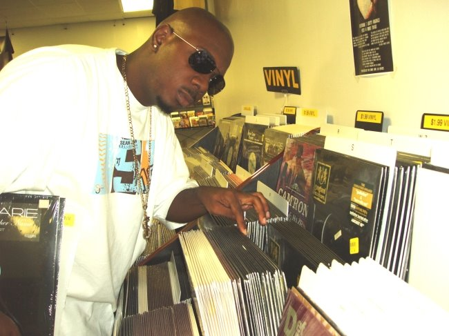 DJ Chuck T links up with Mix Unit   ITSACLASSIK COM