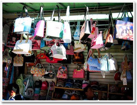 096557afe6ce Everyday Chic  Part IV  Canal Street - Fake Handbag Mecca